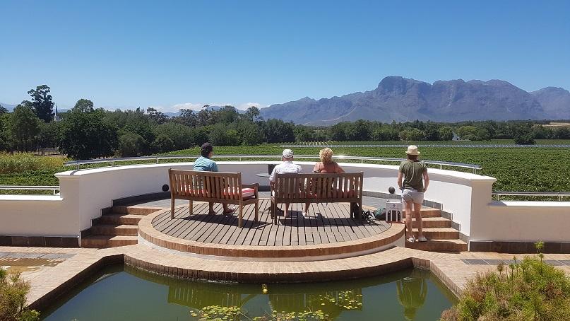 Uitzicht op de wijnlanden rondom Franschhoek, Zuid-Afrika