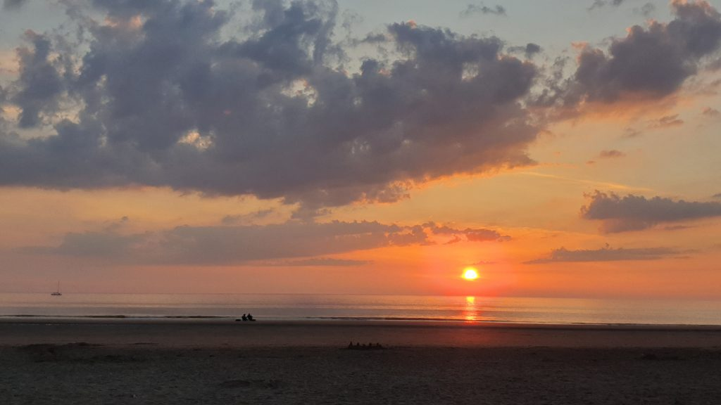 Zonsondergang Strandopgang Kattendel, Fietsen door Zuid-Kennemerland, Bloemendaal aan Zee